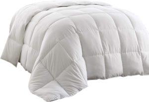 Chezmoi All-Season Comforter